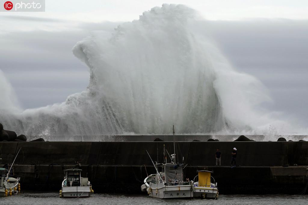 """强台风""""海贝思""""将袭日本 威力60年来罕见"""